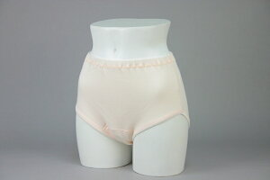 【安心の日本製】クラビオン女性用失禁パンツ、尿漏れパンツ(尿漏れ軽度対応)ピーチ色3枚組 【送料無料】