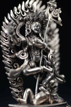 ダーキニー(荼吉尼天:ダキニ天)銀製彫金仕上げ