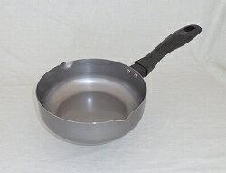 【日本製】 SUITO 匠の技 おなべのような鉄フライパン 20cm IH対応 藤田金属スイト 調理器具 鉄 フライパン 鍋 深型