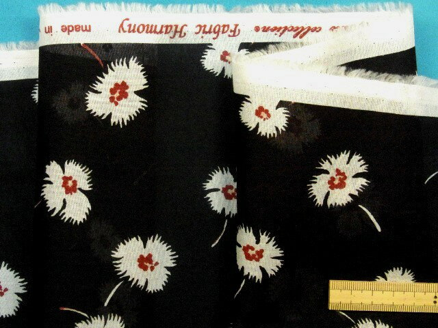 在庫処分・大幅値下げ綿ボイルプリント生地黒×白×赤