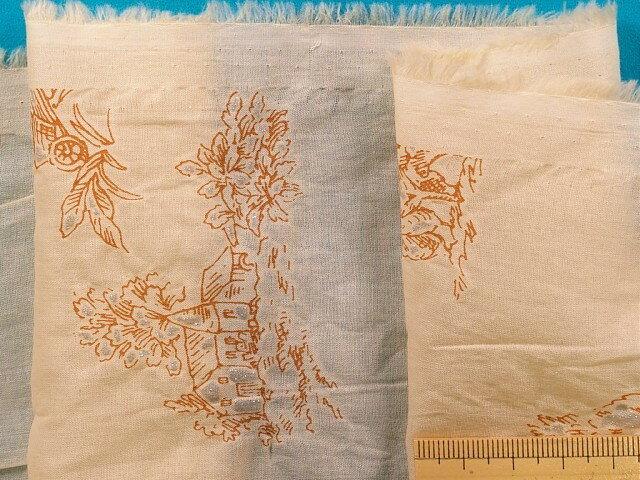 綿ローンプリント生地(シワ加工)薄オレンジ系×オレンジ茶×ラメ