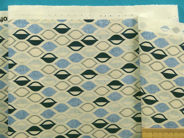 綿プリント生地(STOF fabrics)薄ベージュ×薄ブルー