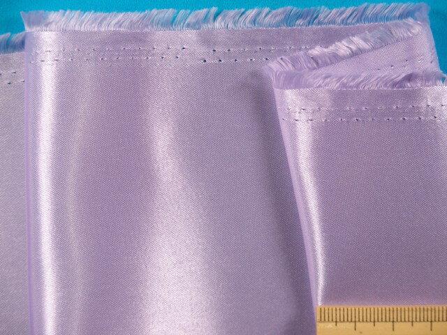サテン生地薄紫