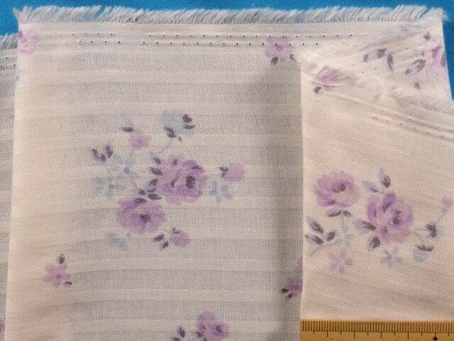 綿ダブルガーゼ生地花薄アイボリー×薄紫