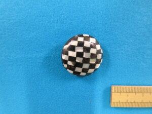 貝ボタン(25mm) オフ白×黒