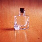 ハンドメイド小瓶☆コルク栓付きデコパーツとしても使えます!