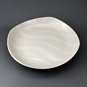 美濃焼 ジュピター 白 18.5cm 皿 四角 ケーキ デザート プレート ケーキ皿 前菜皿 中皿 寿司皿 焼き魚 刺身皿 焼き串 日本製 陶器 おしゃれ かわいい おうちカフェ ホワイト 食器