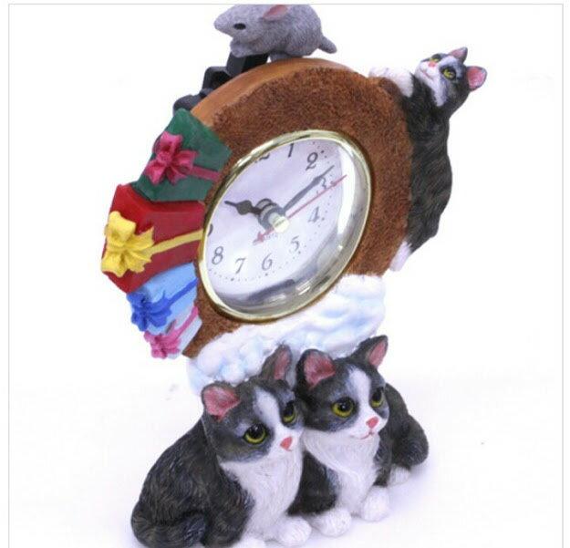 (*^_^*)☆新作!!猫・ふり~~ふり~~今何時だニャ〜♪(=^・・^=)、人気シリーズのNO'1☆~~テーブル時計~~★なかよしグレー猫・くつしたニャンコ *ネズミ君からのプレゼントニャ!!,.,.,.一点限り入荷!!