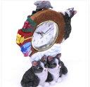 ☆新作!!猫・ふり~~ふり~~今何時だニャ〜♪(=^・・^=)、人気シリーズのNO'-1861☆~~テーブル時計~~★なかよしグレー猫・くつしたニャン…