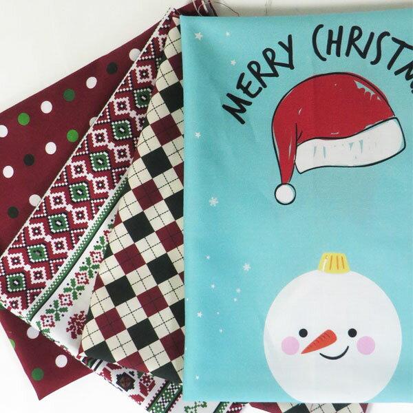 【はぎれ】クリスマスコットンはぎれ4枚(12個のオーナメントとパッチ)超お買い得