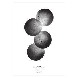 【3980円以上で送料無料!】STILLEBEN 「4つの月」アートプリントポスター A3 モノクロ 北欧 デンマーク