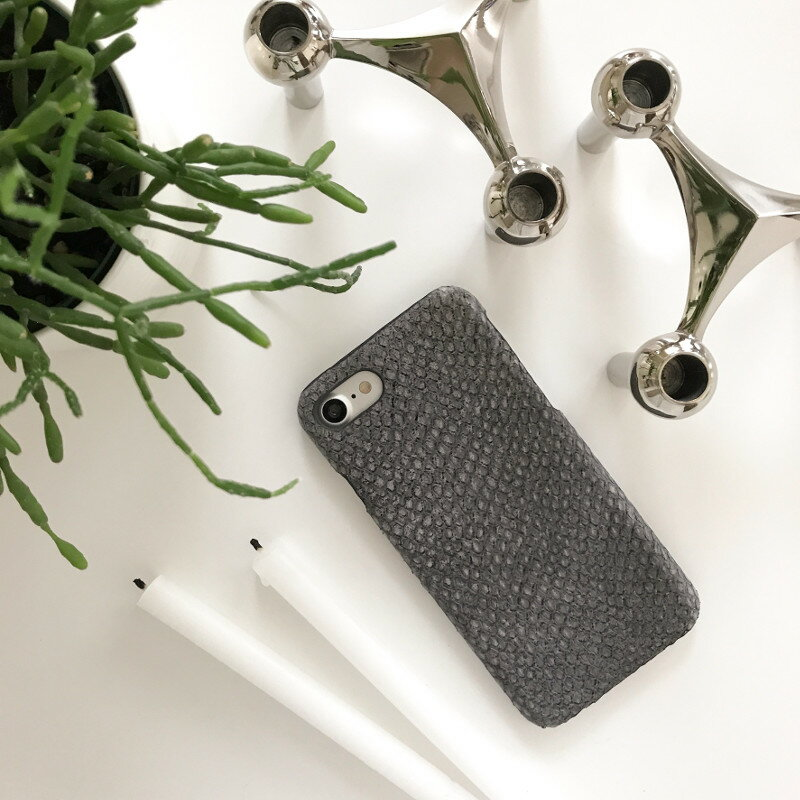 The Case Factory iPhone 7 / 8 ケース グレー×ヘビ型押し イタリア産レザー 北欧 スウェーデン【メール便OK】