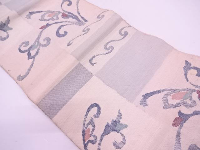 手織真綿紬花唐草模様織出し名古屋帯【アンティーク】【中古】