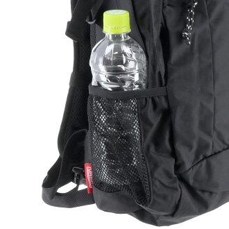 リュックの側面にあるメッシュポケットはペットボトルの収納におすすめ