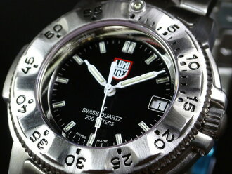 有LUMINOX Lumi敲門3202 NAVYSEALs DIVE WATCH鋼系列T25書寫方式