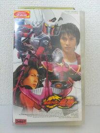ZV01441【中古】【VHS】仮面ライダー龍騎 4