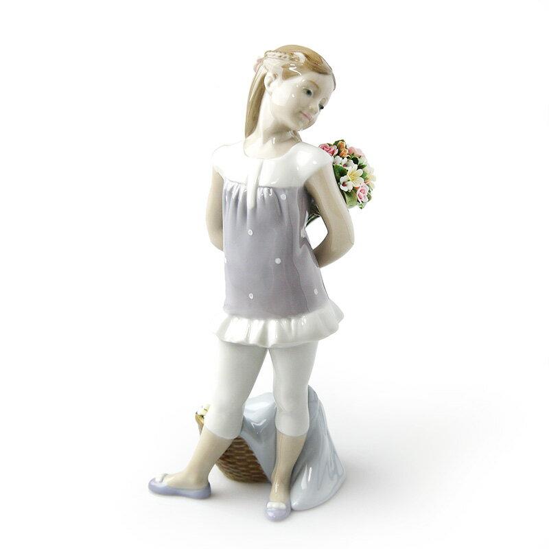 リヤドロ (LLADRO) 花束の贈り物 8632