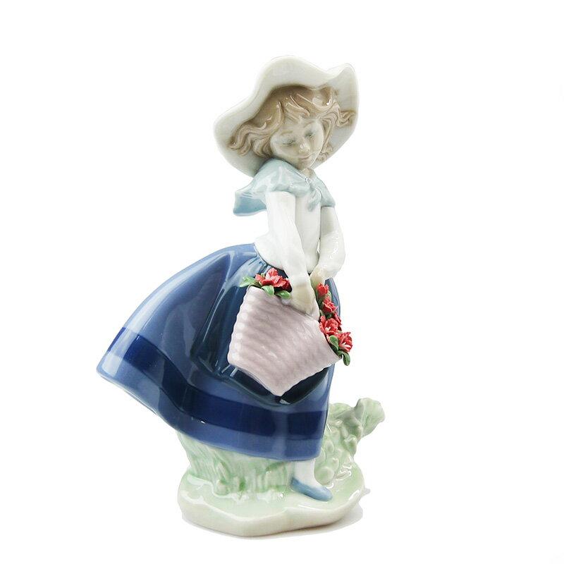 リヤドロ (LLADRO) 人形 きれいな花ばかり (カーネーション)8705