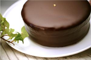 ザッハトルテ 濃厚ザッハトルテ 15cmサイズ あす楽 送料無料 チョコレートケーキ チョコケーキ チョコレート ギフト バースデーケーキ 冷蔵可 冷凍可