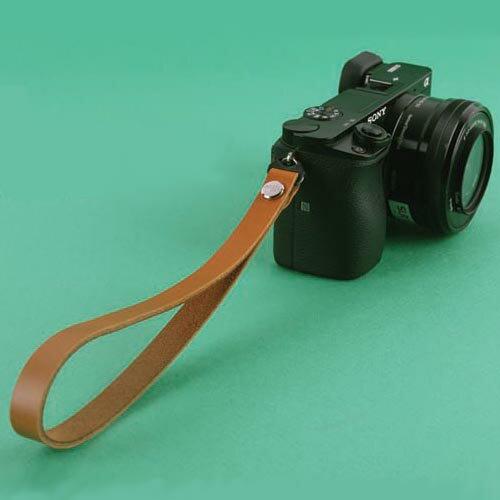 『クリックポスト発送!送料無料』 zelenpol/ゼレンポル Leather STRAP CAMEL BROWN おしゃれ 本革 リストストラップ ハンドストラップ キャメル ブラウン ミラーレス カメラ ストラップ シンプル レザー ミラーレス一眼 カメラ女子 デジカメ Mirroless Strap02 MCS02