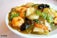日本スープのチキンクリアデラックスの八宝菜の料理例です。ガラスープより格段に美味しい丸鶏ブイヨンです。無添加無脂肪で離乳食から介護食、普段のお食事まで幅広くお使い頂けます