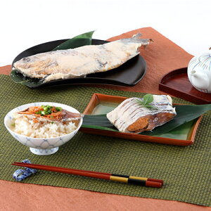 滋賀県の伝統的な味 鮒寿司丸ごと姿箱入