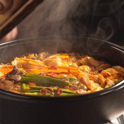 送料無料 大阪名物もつすき鍋 崔家の健美鍋 大阪府 美味しく食べて体によい。ほどよい辛さとまろやかさの厳選和牛もつすき鍋
