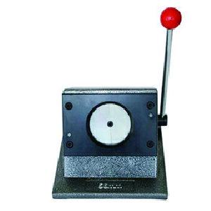 【 56mm 缶 バッジ 台紙カッター 】 缶 バッヂ マシン 用 スタンド カッター 56mm 缶 バッヂ 台紙 カッター の スタンドカッター イベントや店舗などの体験用などに最適な スタンド カッター で