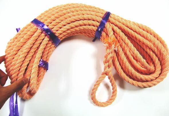 オレンジ カーロープ 太さ12ミリ 長さ20メートル ものすごく丈夫です。防災グッズとしても活躍