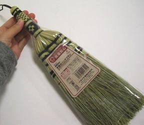 手編みハンドブラシベッドやソファのホコリ払いに便利!