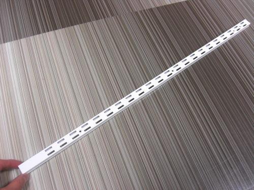ロイヤルAWF-5チャンネルサポートAホワイト600ミリ便利!ダブルの棚受けレール(ガチャ柱・棚柱)1本単位の販売です。