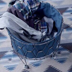 折り畳み可能なバスケット スタイリッシュさと利便性を両立させたデザイン キャスター付きで使用中の移動も簡単 円形 丸いバスケット型 洗濯カゴ おしゃれに収納