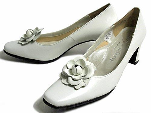 missy madras ミッシーマドラス フラワーモチーフ付き2WAYフォーマルパンプス レディース ホワイト【靴】