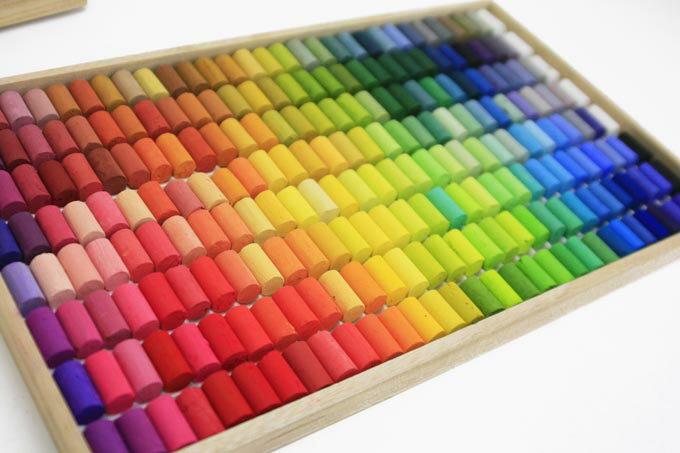 【送料無料】憧れの全色!王冠化学工業所ゴンドラパステル 242色セット