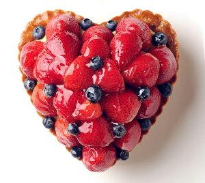 バースデーケーキ 誕生日ケーキ フルーツケーキ 記念日ケーキ ハート型のいちごとブルーベリーのタルト 記念日ケーキ用に! 記念日 ☆ 【バースデイケーキ】