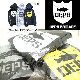 DEPS BRIGADE / デプス ブリゲード 【 シールド ロゴ フーディ 】 パーカー デプス x バスブリゲード
