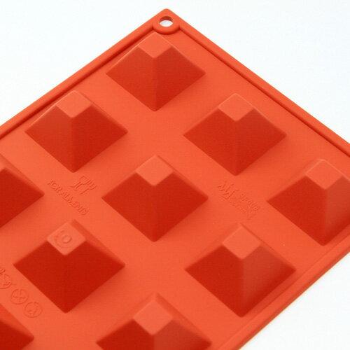 シリコンフレックス ピラミッド型15ヶ付 SF-008  ケーキ型