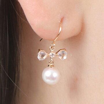 ピアス真珠小さい5mm5.5mmあこや真珠かわいいシンプル定番普通フォーマル式典アコヤ真珠【K18ピンクゴールドリボンフックパールピアス/ローズクォーツ】伊勢メーカー直販日本製