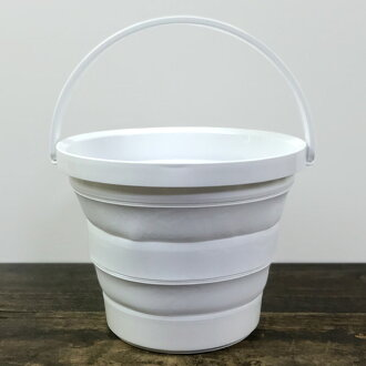 The bucket that Sei Nakagawa seven store is foldable