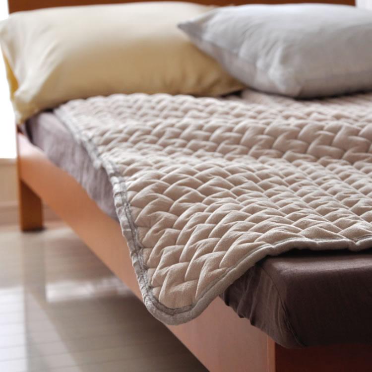 マイクロファイバー敷きパッド シングルサイズ スーパーふんわり ゆめごこちのマイクロファイバー 敷パッド 極細繊維マイクロファイバーなめらかな風合い セラミック加工の遠赤綿 増量タイプ ウォッシャブル 洗える シングル 暖か 敷き毛布
