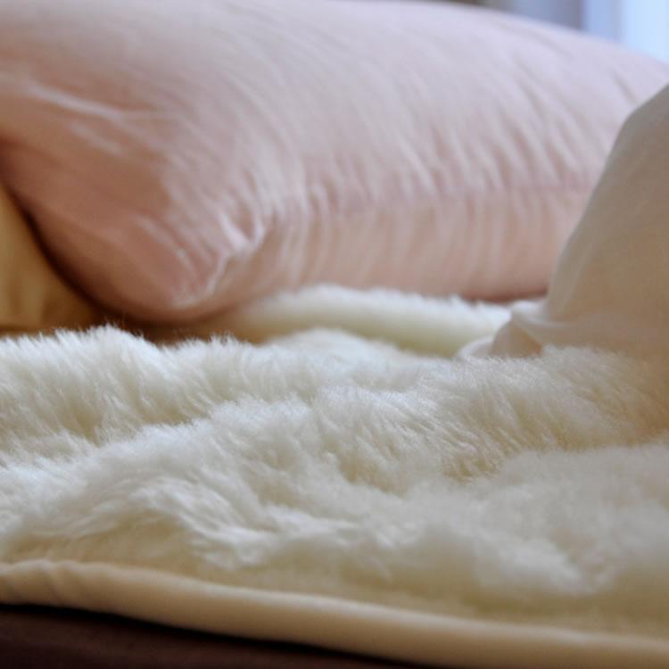 【ダブルサイズ】 ウールボアパットシーツ オーストラリア産高級ピュアメリノウール 洗える 洗濯機可 国産 ゴムつき ウールマーク 吸湿発熱 保温性抜群 クリーン 吸湿・放湿性に優れ、カラッと暖か 敷きパッド ウール 敷き毛布 ムートン がわりの便利な ベッドパッド ダブル