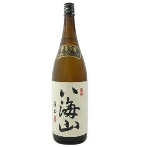 送料無料 八海山 純米吟醸 1800ml 純米酒にありがちな雑味や重さなどの欠点を独自の吟醸造りの手法で改善し、飲みやすくて軽いお酒に仕上げられています。良質米の旨みを100%引き出