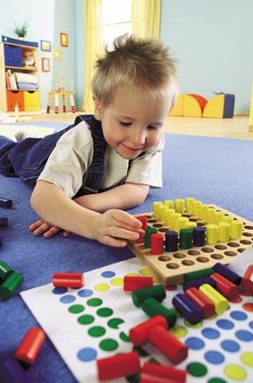 ペグさし・大 木のおもちゃ 点 線 知育玩具 模様づくり ペグ 棒 HABA ハバ ドイツ