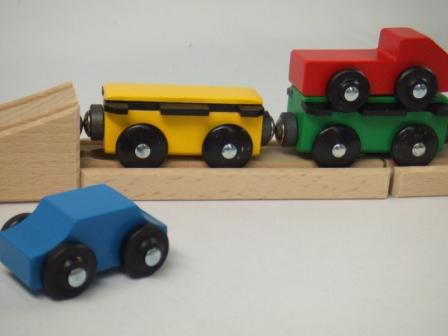 汽車セット トランスポーター(9647) MICKI ミッキィ社 汽車セット 木製レール 木のおもちゃ 木製 汽車 レール 出産祝いお誕生日 知育玩具