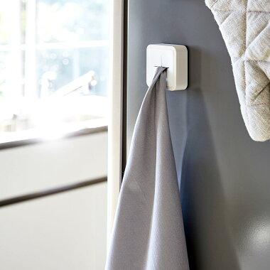 冷蔵庫などに簡単取付できるマグネットタイプシンプルなデザイン