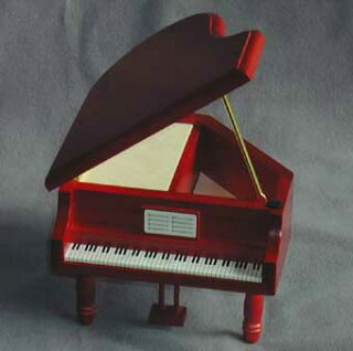 グランドピアノあかあける