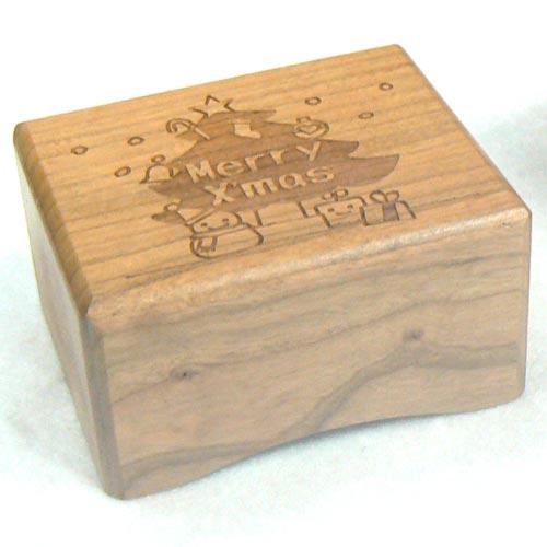 333曲以上から選べる! クリスマスボックスオルゴール(アメリカンチェリー:レーザー彫刻) プレゼント