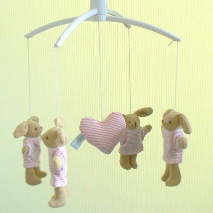 トラセリア ベッドメリー(バニーボーダーTシャツ:ピンク/♪星に願いを) オルゴール フランスのブランド 【クリスマス オルゴール 誕生日 出産祝い】 プレゼント