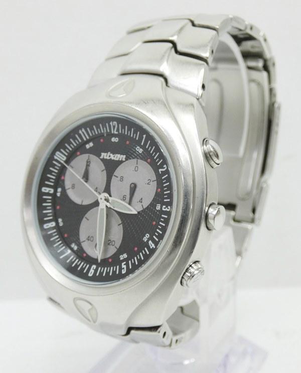 【中古】NIXON/ニクソン 腕時計 FAMOUS ブラック×シルバー クォーツ ステンレススティールベルト【f131】