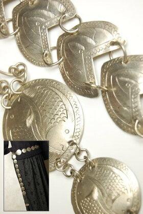 タイアンティーク調カレン族手彫りメタルベルト
